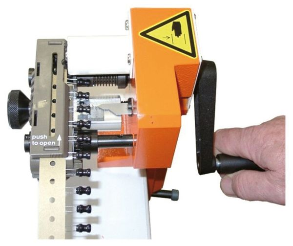 C066 H Coupe pour composant radial IN TAPE